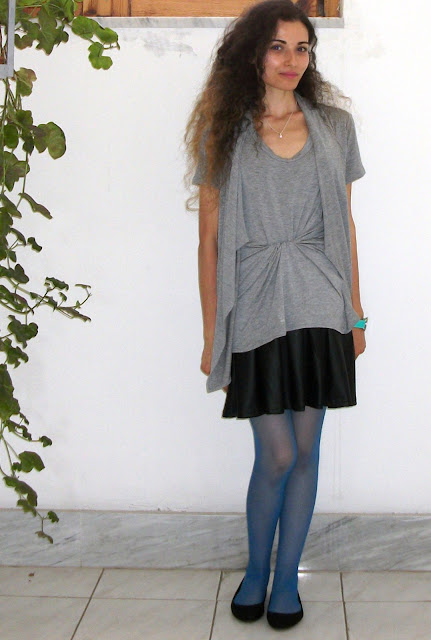 Valentina Chirico, beauty blogger, ootd, smurf blue, grey OVS t-shirt, OVS people, ootd, Clazedonia tights, smurf blue, grey and black