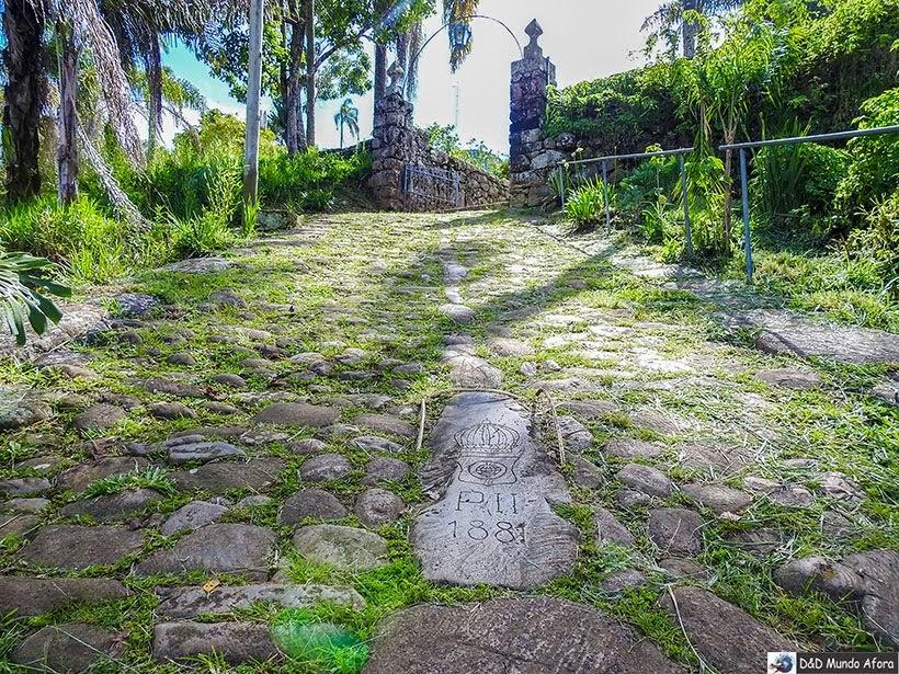Pedra onde Dom Pedro escorregou quando se hospedou na Pousada do Caraça