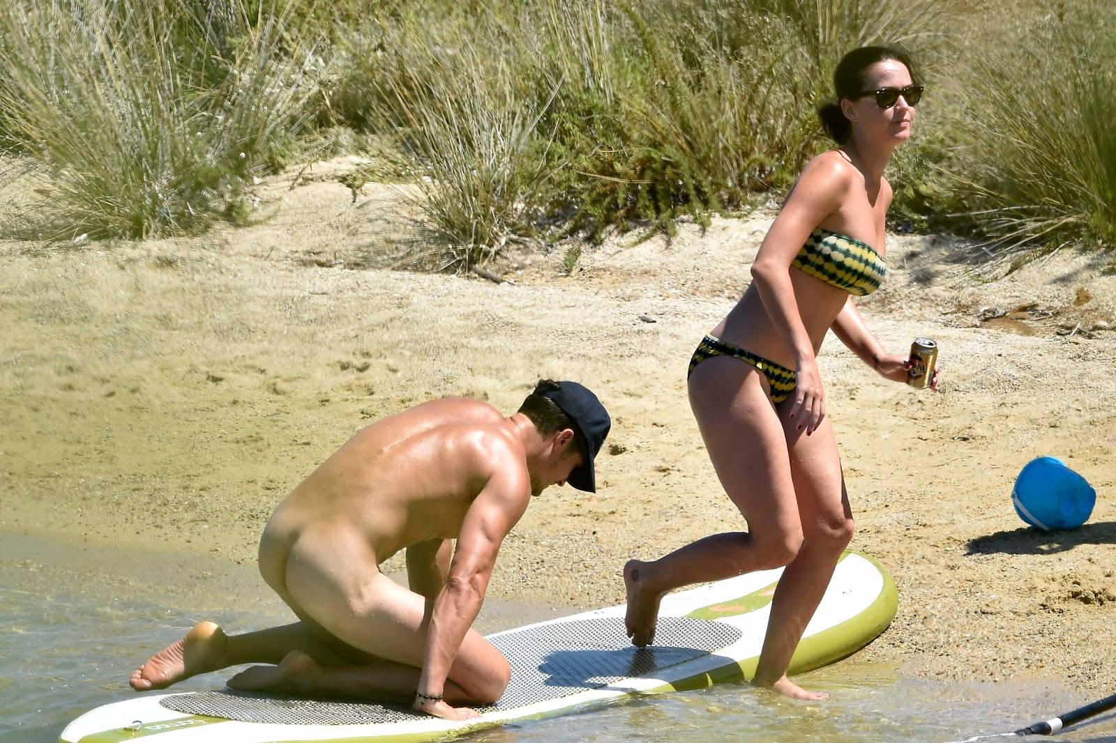 Бесплатно голые фото на пляже