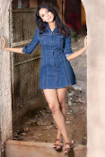 priyashri new glam pics-thumbnail-9