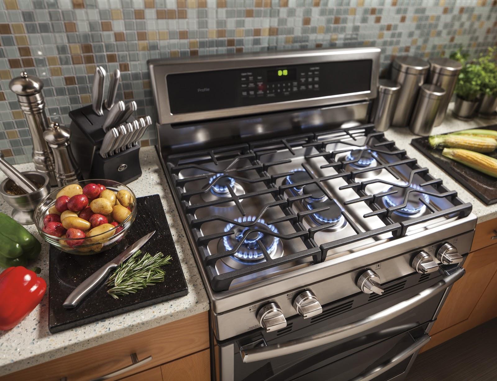 Ge Freestanding Range In Kitchen