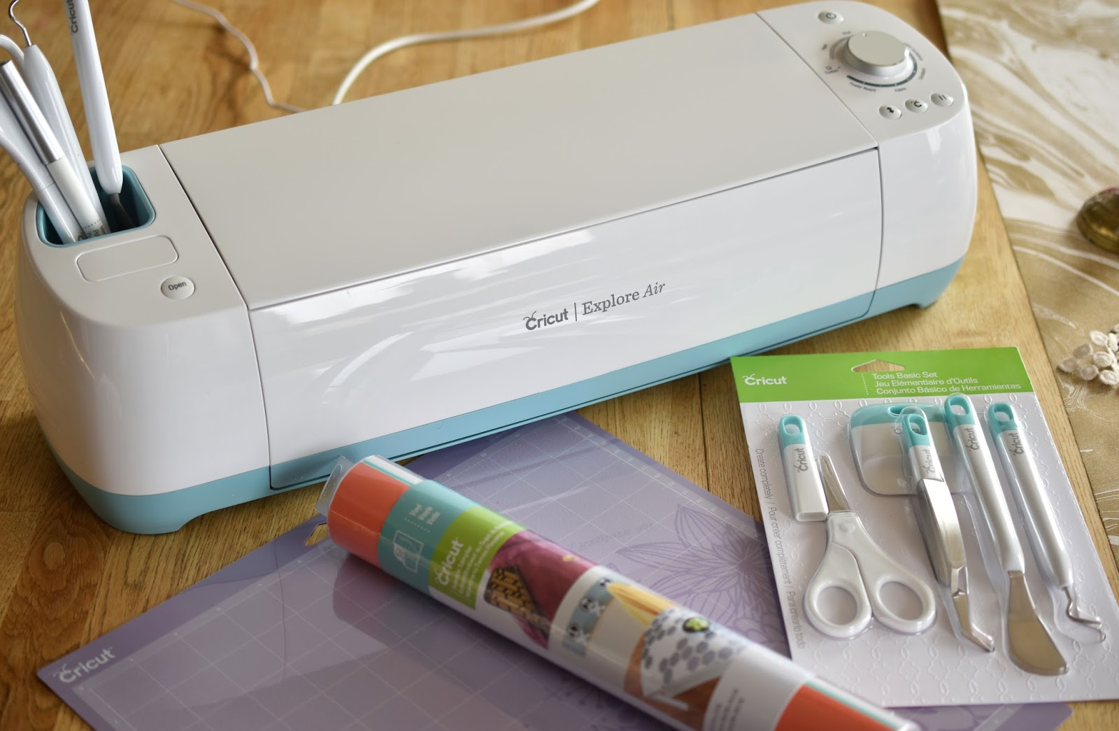 Woman In Real Lifethe Art Of The Everyday What Is A Cricut Machine