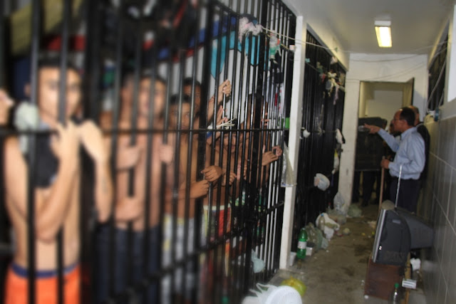 Resultado de imagem para 10 presos morrem durante confronto em cadeia do ceará