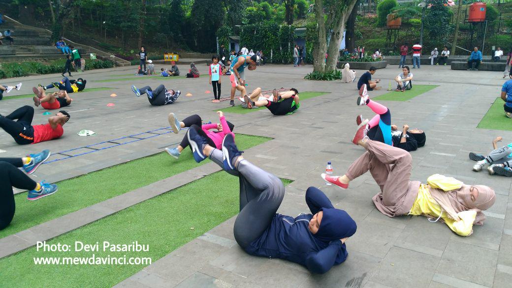 Olahraga di Taman Ekspresi Sempur