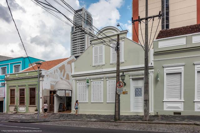 Casa na Rua Mateus Leme, hoje parte de um hotel
