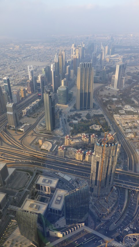 Burj Khalifa, výhľad na Dubaj