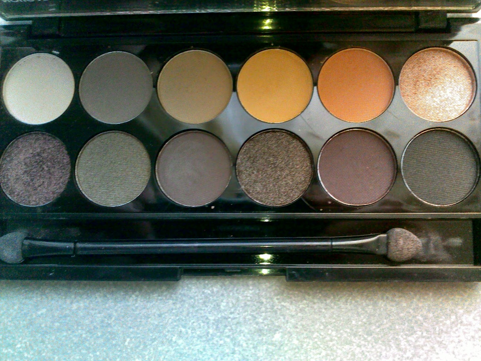 Sleek i-Divine palette in Au Naturel