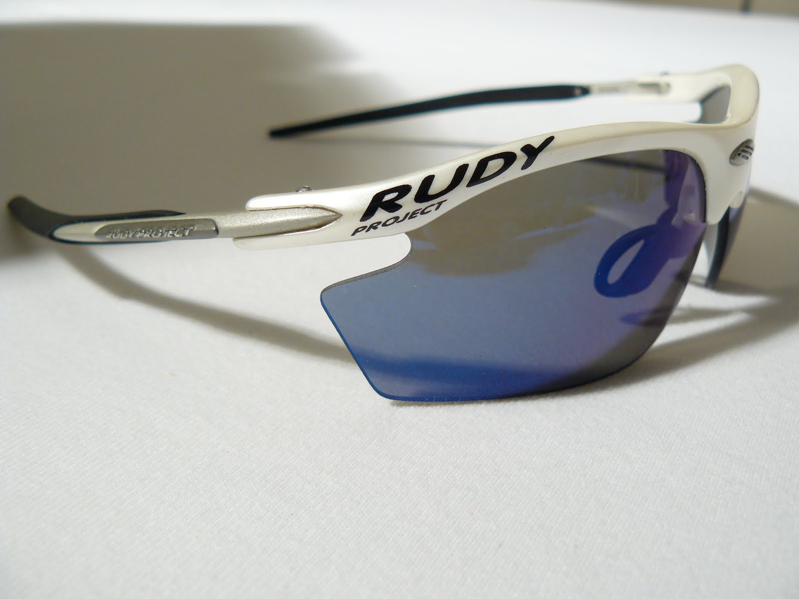 59fad41604 Rudy Project Noyz with Racing White frame and ImpactX Photochromic lenses