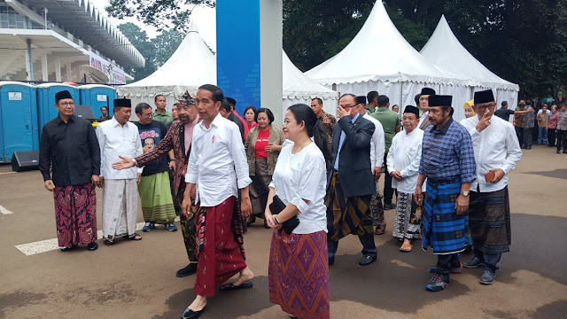 Survei LSI Denny JA: Elektabilitas Jauh, Jokowi Menang Pilpres 2019