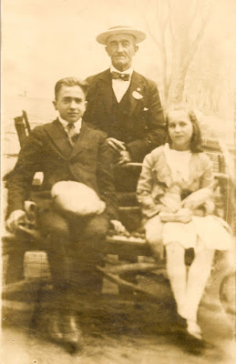 William A. Dixon with his two youngest children; Wallace Bernard Dixon and Hazel Dorothy Dixon. Circa 1920. Collection of E. Ackermann, 2017.