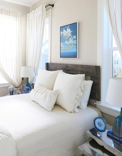 Small Bedroom Design Idea Coastal Theme White Blue