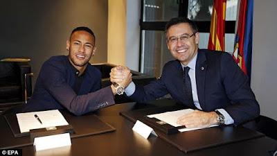 Neymar ký hợp đồng gia hạn