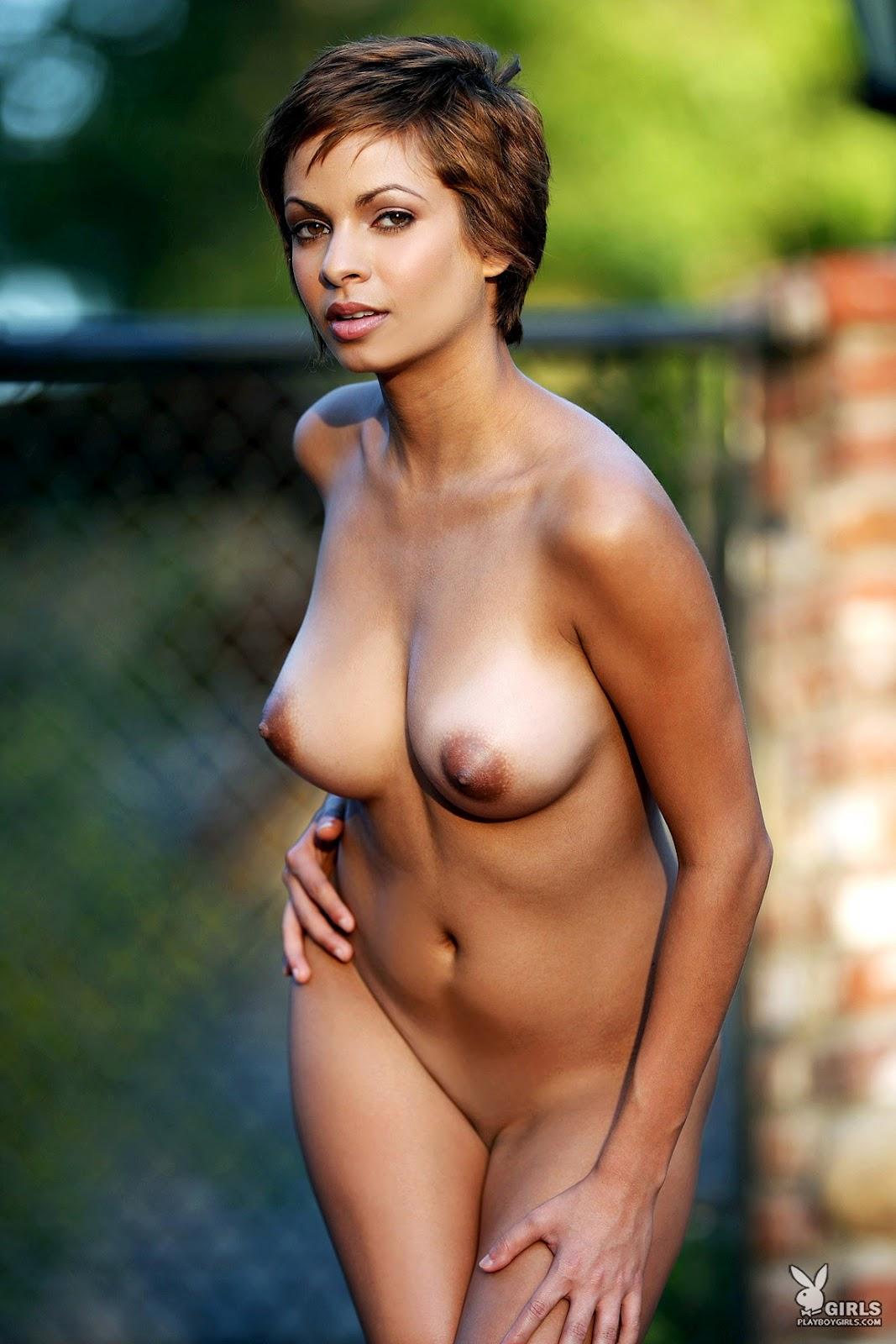 Aisha naked