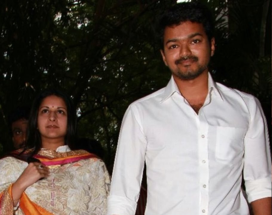 Wedding Saga of Actor Vijay and His Fan-Cum-Wife Sangeetha