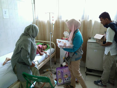 Relawan DUA di sentra Thalasemia RSUZA