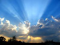 Dans la contemplation l'ectoplasme des ondes de plasma agissent par ectoblaste sortie de L'Essence de La Lumière sur notre intellection, notre production psychique et visuelle en passant dans le corpus cerveau spirituel : le « cœur » !