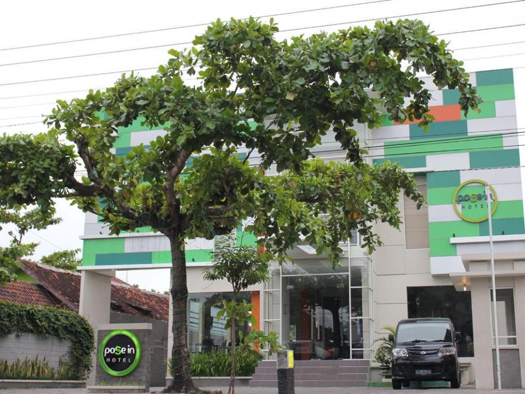 Terletak Strategis Di Yogyakarta Pose In Hotel Adalah Tempat Yang Luar Biasa Untuk Menelusuri Kota Aktif Ini 2 Km Dari
