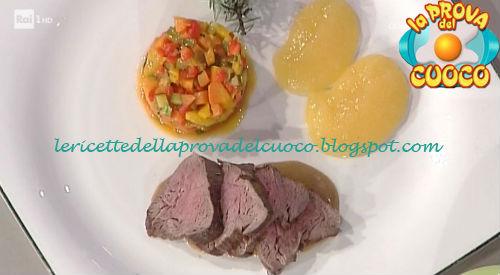 Lombo di cervo cotto nel fieno con crema di mele ricetta Bertol da Prova del Cuoco