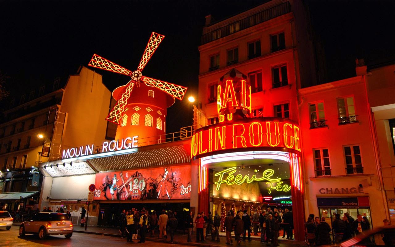 Fachada do Moulin Rouge Paris