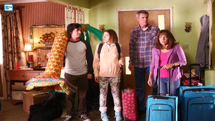 The Middle - Episode 8.02 - A Tough Pill to Swallow - Promo, Promotional Photos & Press Release