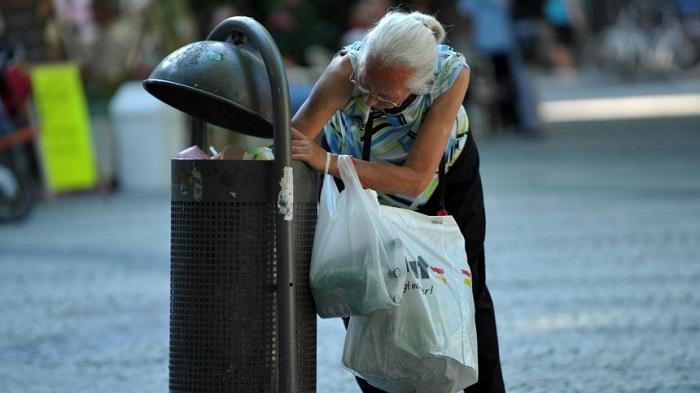 EUROSTAT: ΣΕ ΣΥΝΘΗΚΕΣ ΦΤΩΧΕΙΑΣ Ή ΚΟΙΝΩΝΙΚΟΥ ΑΠΟΚΛΕΙΣΜΟΥ ΕΝΑΣ ΣΤΟΥΣ ΤΡΕΙΣ ΚΑΤΟΙΚΟΥΣ ΣΤΗΝ ΕΛΛΑΔΑ