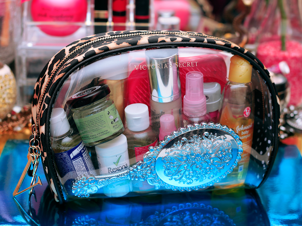 What's In My Cosmetic Bag?