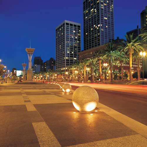Landscape Lighting Online: Landscape Lighting: June 2011