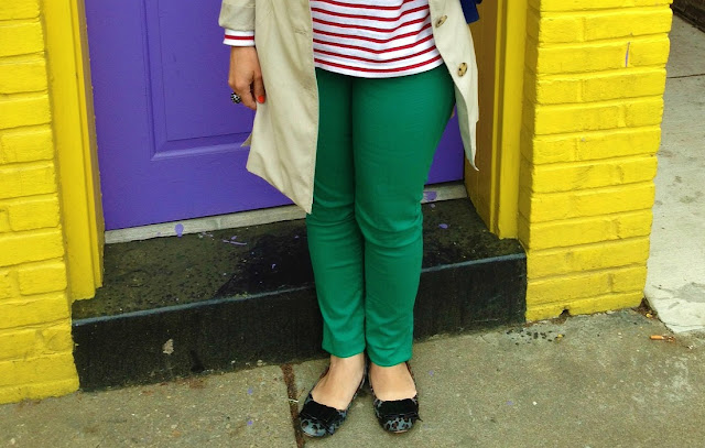 Outfit Idea Stripes and Colored Jeans