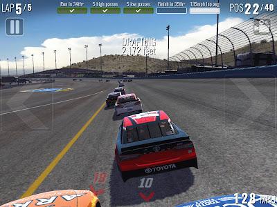 Tampilan Game NASCAR Heat Mobile