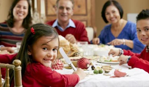 Menanamkan Pola dan Kebiasaan Makan yang Baik Untuk Anak