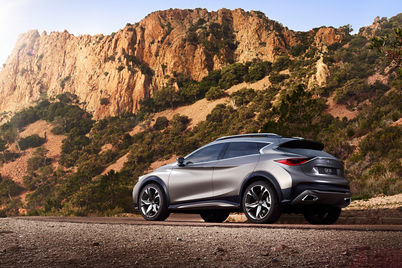 New Infiniti QX30 Concept Revealed In Detail, Previews ...