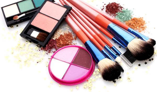 12 Barang Yang Harus Dimiliki Oleh Makeup Artist Make Up Artist