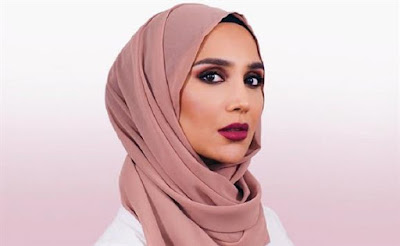 Primeira modelo com hijab demite-se por tweets contra Israel