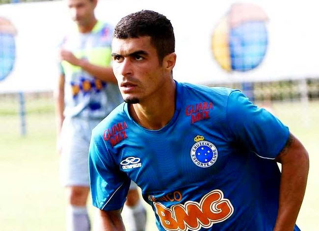 a93460e99b98b O Cruzeiro não contará mais com o futebol do lateral-esquerdo Egídio. Pelo  menos