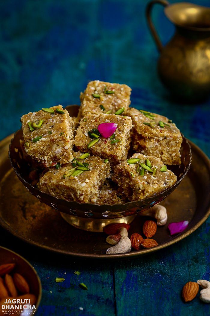 Gundar Pak / Paak - Edible Gum Fudge is a traditional Gujarati delicacy which is often prepared during the winter season. These exotic and unique taste bars consists of  Bawal/Baval Gundar or gond ( edible gum ) ghee, jaggery and lots of special herbs and spices.