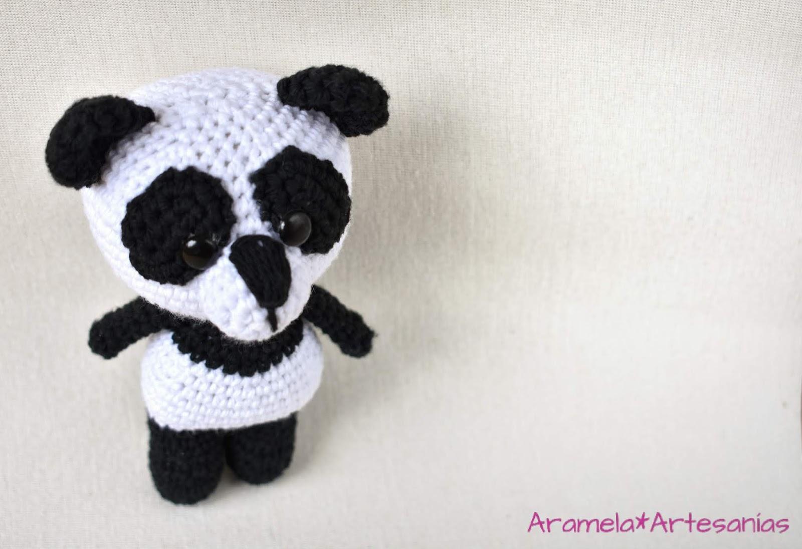 Panda Amigurumi Häkelanleitung von Little Bear Crochets | 1096x1600