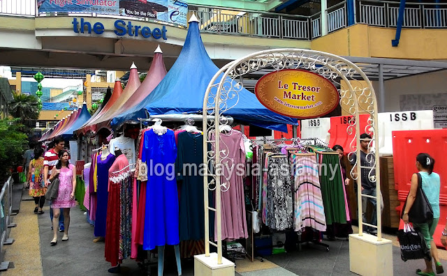 The Curve Weekend Bazaar Market
