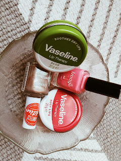 South african beauty blogger, vaseline lip therapy, vaseline lip therapy review