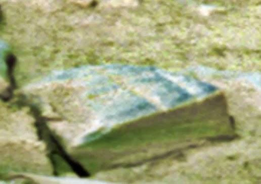 Pengamat UFO Yakin Temukan Buku Kuno Di Mars  Majalah Robek