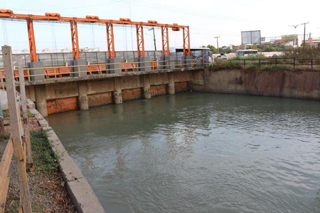 Serviços na comporta da Barragem do Bacanga