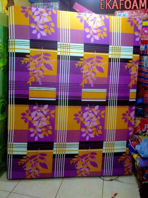 kasur inoac terbaru 2016 motif minimalis bunga ungu