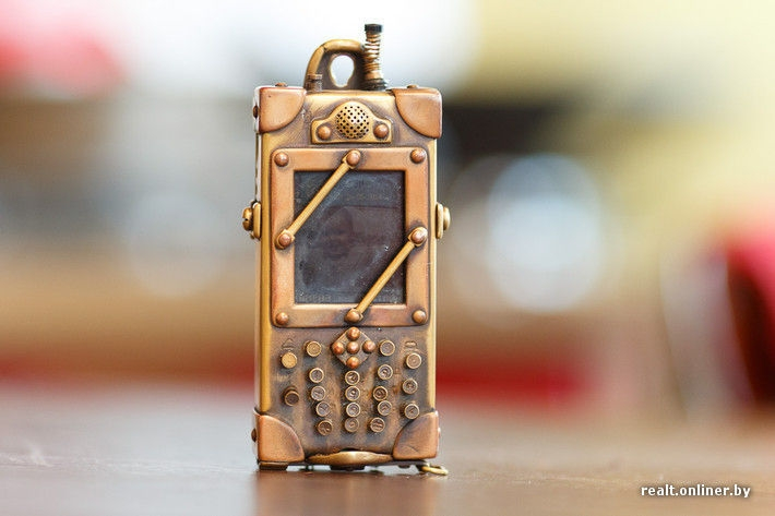 12-Phone-Dmitry-Tihonenko-Average-Items-given-the-Steampunk-Treatment-www-designstack-co