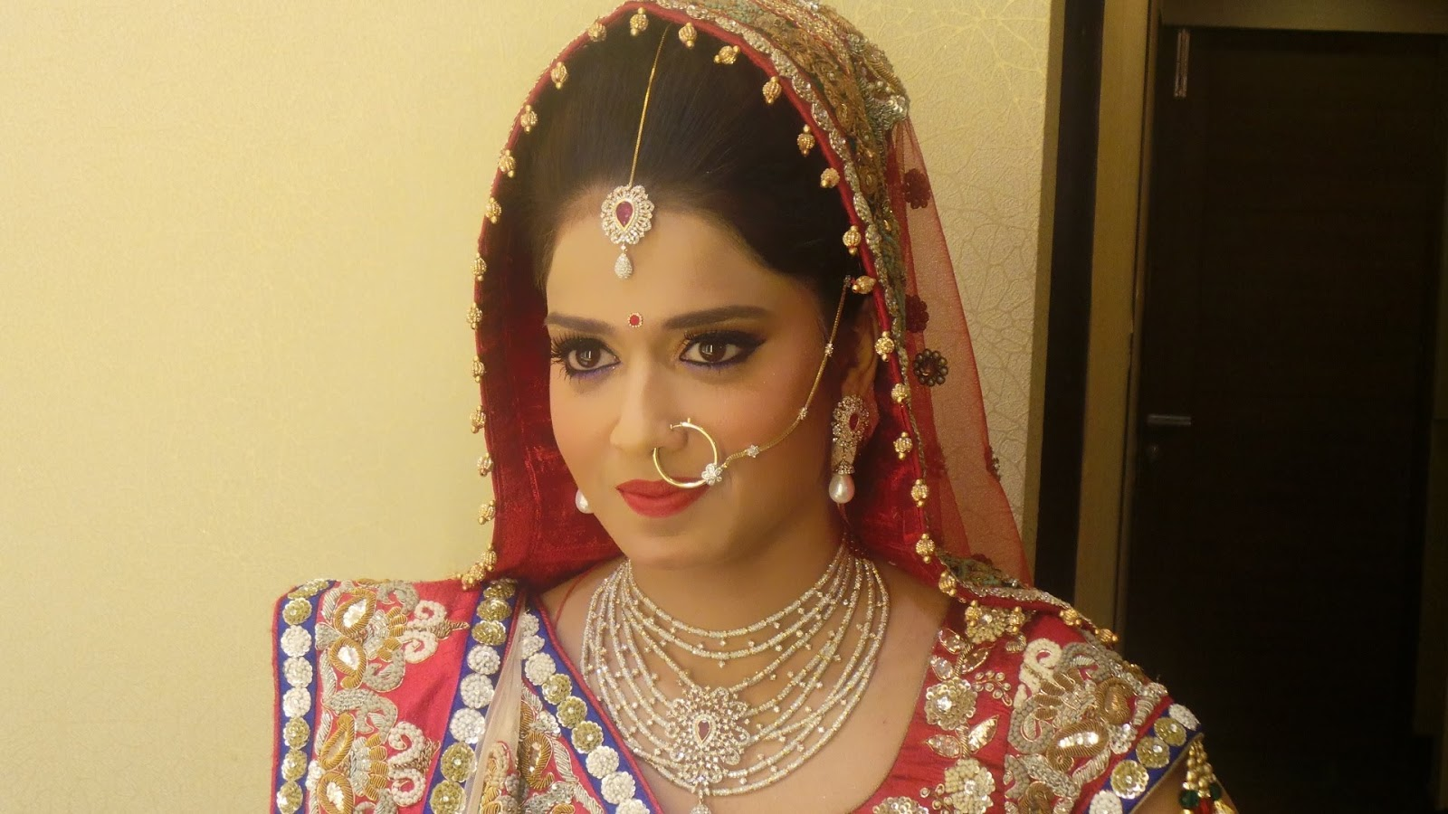 Fashion Beauty Wallpapers Indian Bridal Hairstyles With