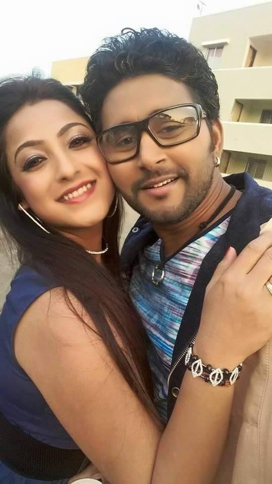 Yash Kumar Mishra, Sweety Chhabra Shooting stills of Bhojpuri Movie Aashiqanaa