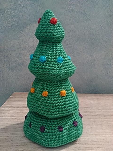 Árbol amigurumi para envolver regalos.