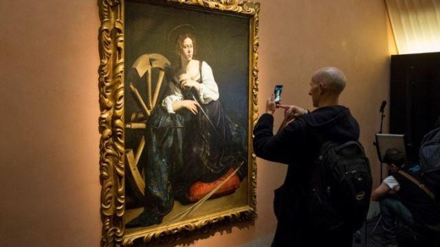 Η «Αγία Καταλίνα» του Καραβάτζιο αποκαλύπτει τα μυστικά της