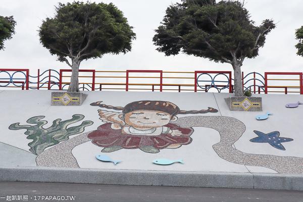 《台中.龍井》麗水漁港|藍白希臘風麗水驛站|龍井堤防自行車道|堤防彩繪牆|彩虹廊道