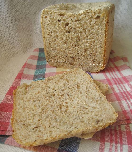 Puszysty chleb pszenny graham ze słonecznikiem