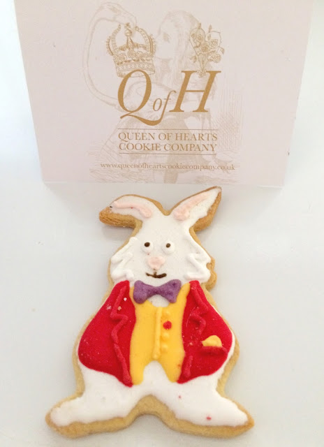alice in wonderland white rabbit cookie