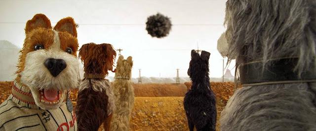 مراجعة فيلم Isle of Dogs.. سرف من الكلاب المعتوهين في مهمة بحث وإنقاذ!